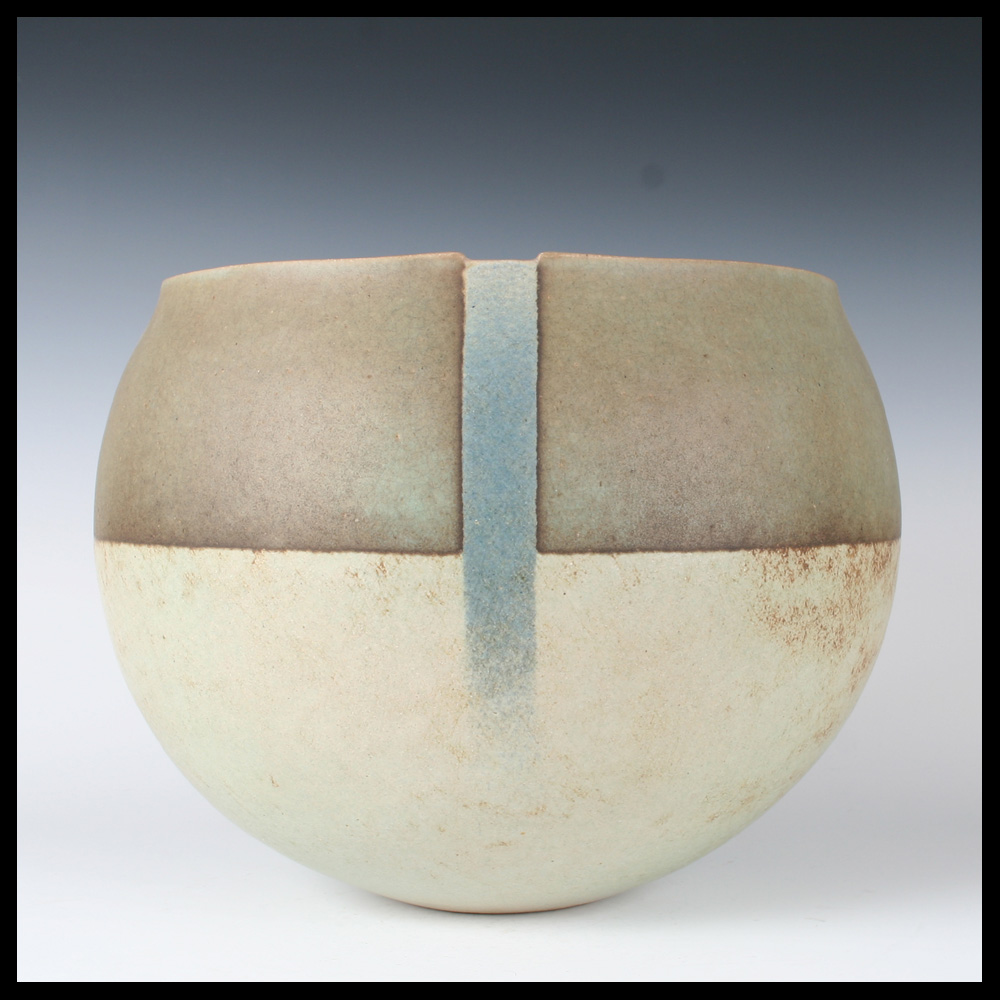 Hans de jong nl huge so called 39 beemster 39 bowl capriolus contemporary ceramics gallery - Deco modern verblijf ...
